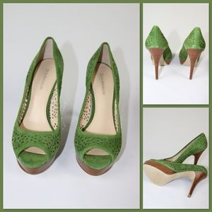Enzo Angiolini Green Suede leather platform pumps.